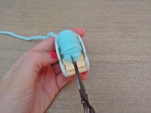 10. Punto tejer paso a paso tutorial gorro y bufanda para bebé - Tejer bufanda paso 4 pompón