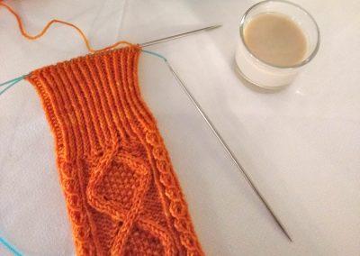 1er-Filandón-Trizas-y-Trazos-calcetines-sobremesa1
