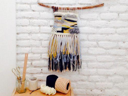 Taller-tapiz-Trizas-y-Trazos-amarillo-y-negro-detalle