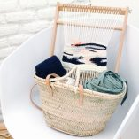 Taller tapiz Trizas y Trazos negro con cesta detalle