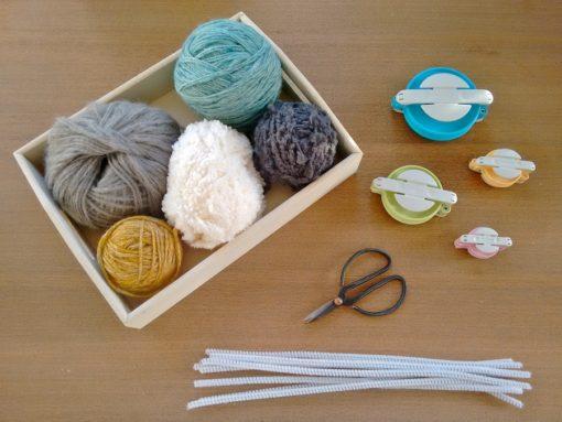 00 Tutorial cómo hacer jarrón flores con pompones de lana trizas y trazos - materiales