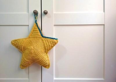 tutorial cómo hacer estrella ganchillo crochet bolsa trizas y trazos colgador